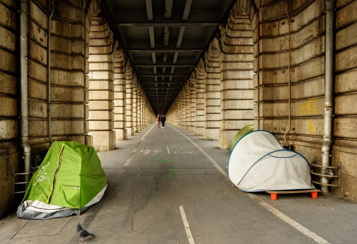 homeless tents on street road